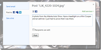 How do I share a SkyDrive photo on Facebook? (5/6)